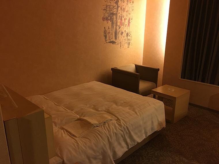 リーガロイヤルホテル ウエストウイング シングルルームベッド